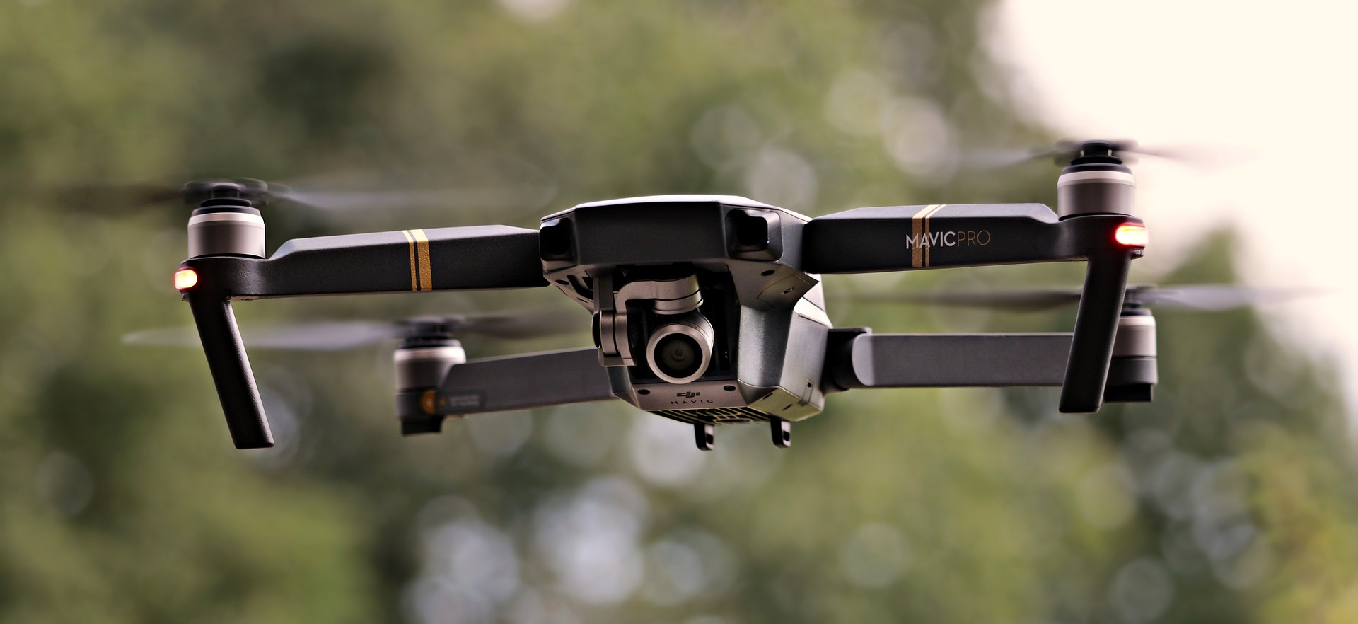 Tytuł: Drony w Marketingu Nieruchomości. Kupić, Czy Wynająć?